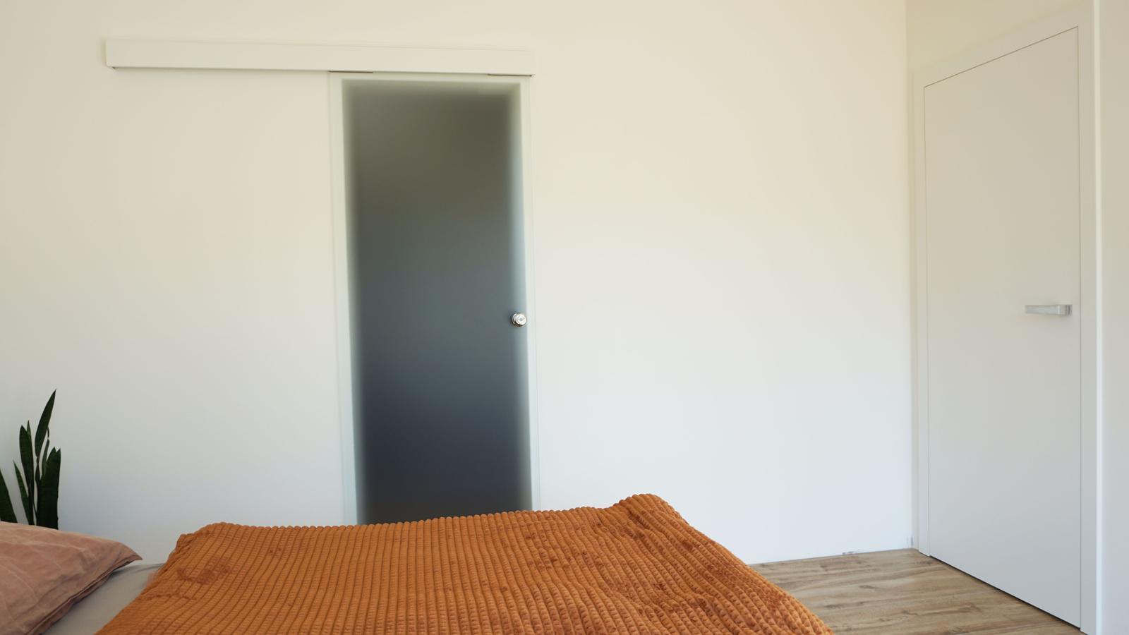 Reverzné a bezpolodrážkové dvere. - Obrázok č. 5