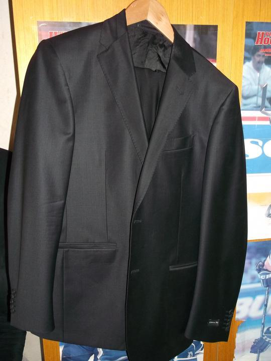 Čo už máme :-) - krásny oblek pre drahého od Zuzičky :-)