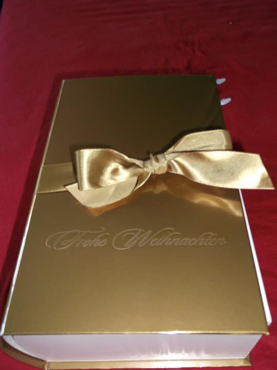 Čo už máme :-) - a krabica na obalky a dary :-) ešte treba ten napis prekryť :-D