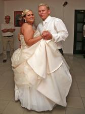 první novomanželský taneček...