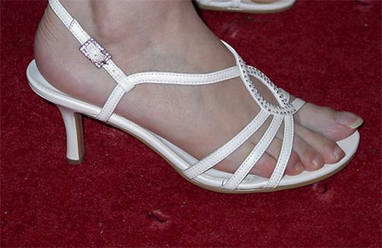 M+R=VL ;o)) - Tak tohle jsou nakonec moje botičky. Jsou nakonec uplně jiné než jsem původně chtěla a moc se mi na noze líbily, tak jsem si řekla, že kdyby se ještě objevily náhodou ty mé vysněné, tak bych je koupila. Tyhle se ale v pohodě unosí i v létě třeba jen