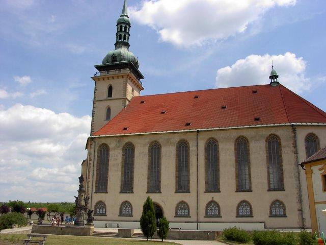 M+R=VL ;o)) - Tak nakonec je všechno jinak a obřad bude v mosteckém přesunutém děkanském kostele Nanebevzetí Panny Marie ... ;o)