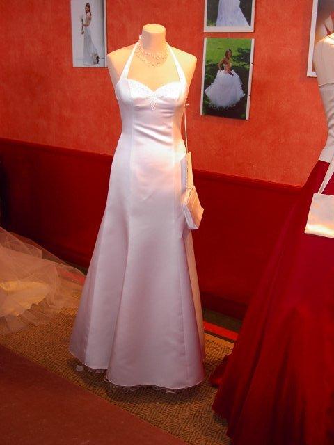 Jen svatební šaty - Obrázek č. 27