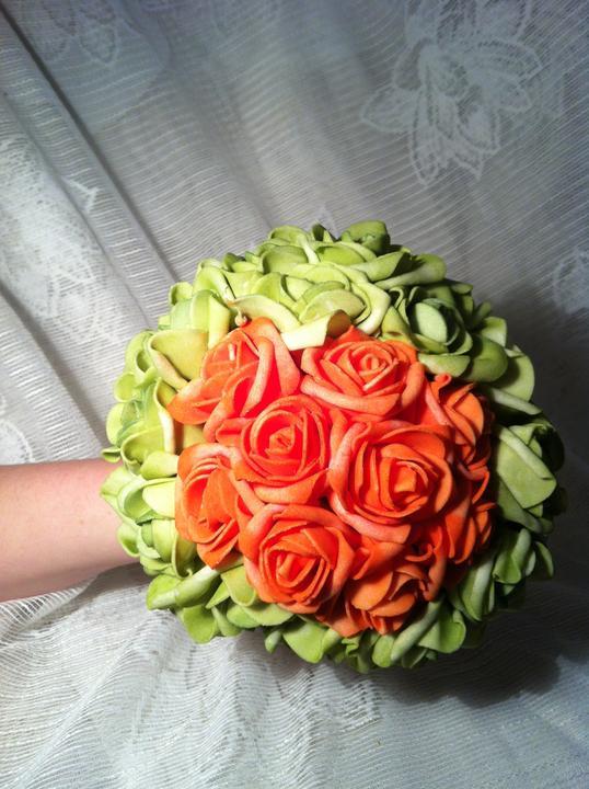 Netradiční svatební kytice - pěnové růžičky + polštářky pod prstýnky, košíčky - Obrázek č. 13