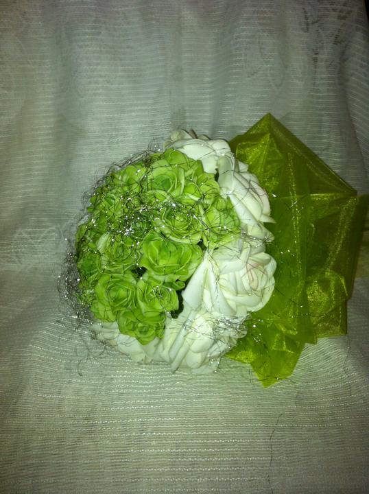 Netradiční svatební kytice - pěnové růžičky + polštářky pod prstýnky, košíčky - Obrázek č. 18