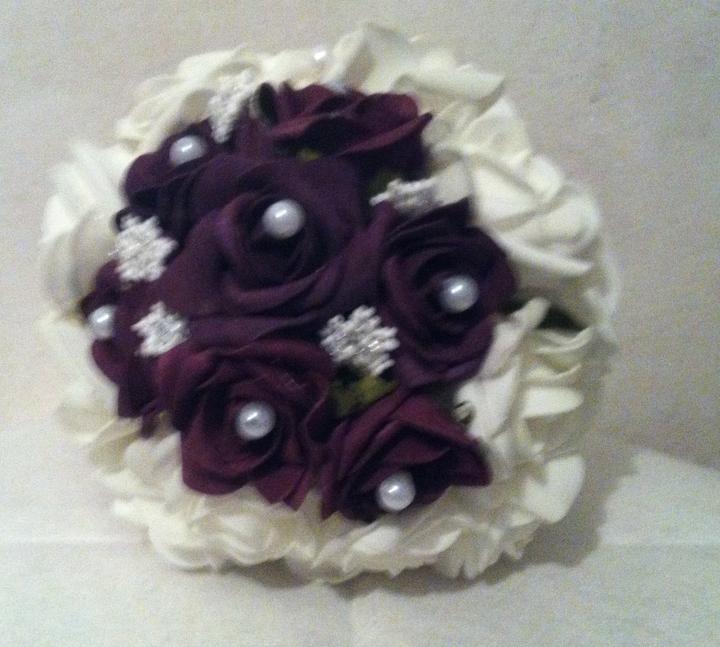 Netradiční svatební kytice - pěnové růžičky + polštářky pod prstýnky, košíčky - Obrázek č. 19