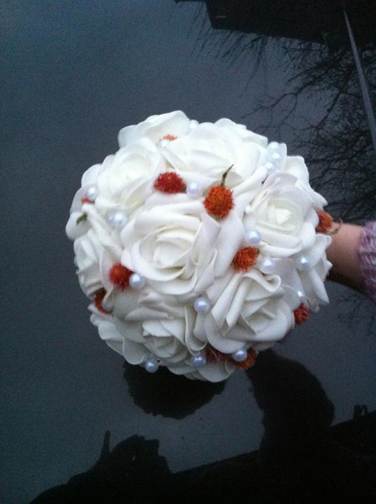 Netradiční svatební kytice - pěnové růžičky + polštářky pod prstýnky, košíčky - Obrázek č. 1