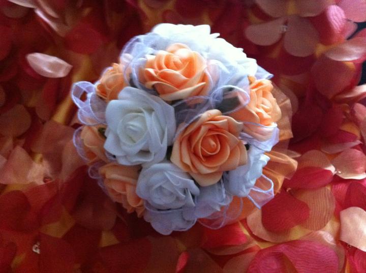 Netradiční svatební kytice - pěnové růžičky + polštářky pod prstýnky, košíčky - Obrázek č. 26