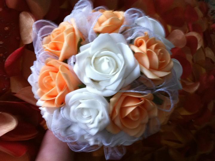 Netradiční svatební kytice - pěnové růžičky + polštářky pod prstýnky, košíčky - Obrázek č. 27