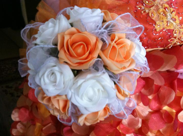 Netradiční svatební kytice - pěnové růžičky + polštářky pod prstýnky, košíčky - Obrázek č. 28