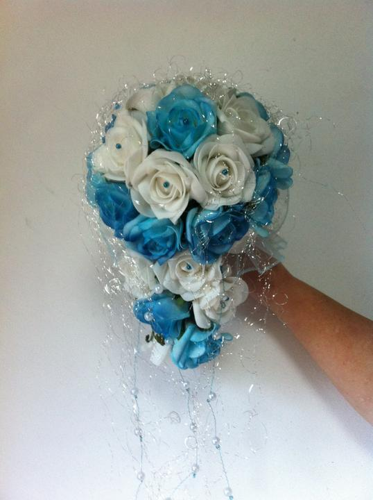 Netradiční svatební kytice - pěnové růžičky + polštářky pod prstýnky, košíčky - Obrázek č. 10