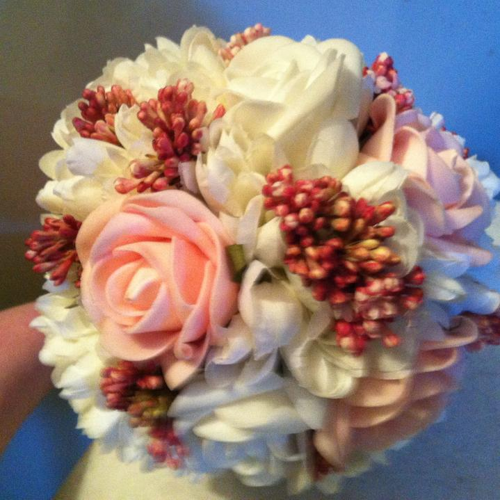 Netradiční svatební kytice - pěnové růžičky + polštářky pod prstýnky, košíčky - Obrázek č. 32