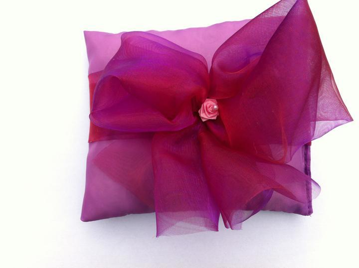 Netradiční svatební kytice - pěnové růžičky + polštářky pod prstýnky, košíčky - Obrázek č. 37