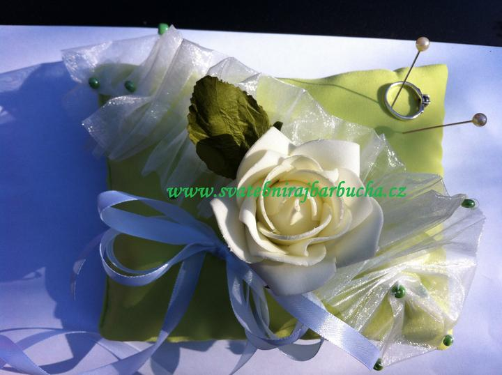 Netradiční svatební kytice - pěnové růžičky + polštářky pod prstýnky, košíčky - Obrázek č. 38