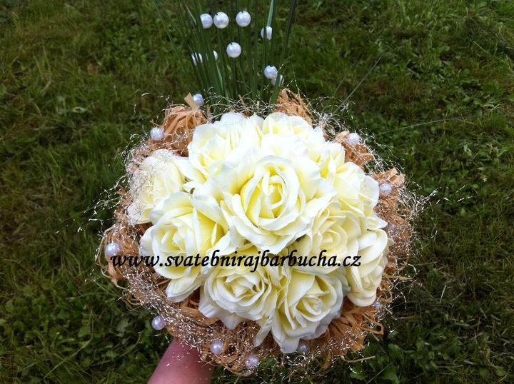 Netradiční svatební kytice - pěnové růžičky + polštářky pod prstýnky, košíčky - Obrázek č. 43