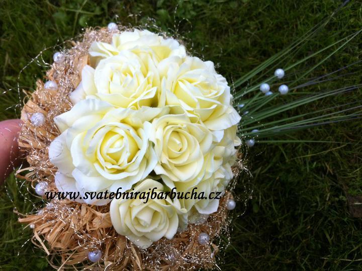 Netradiční svatební kytice - pěnové růžičky + polštářky pod prstýnky, košíčky - Obrázek č. 44