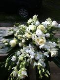 Dekorace na auto- růže , aspidistra , eurostroma , orchideje ..