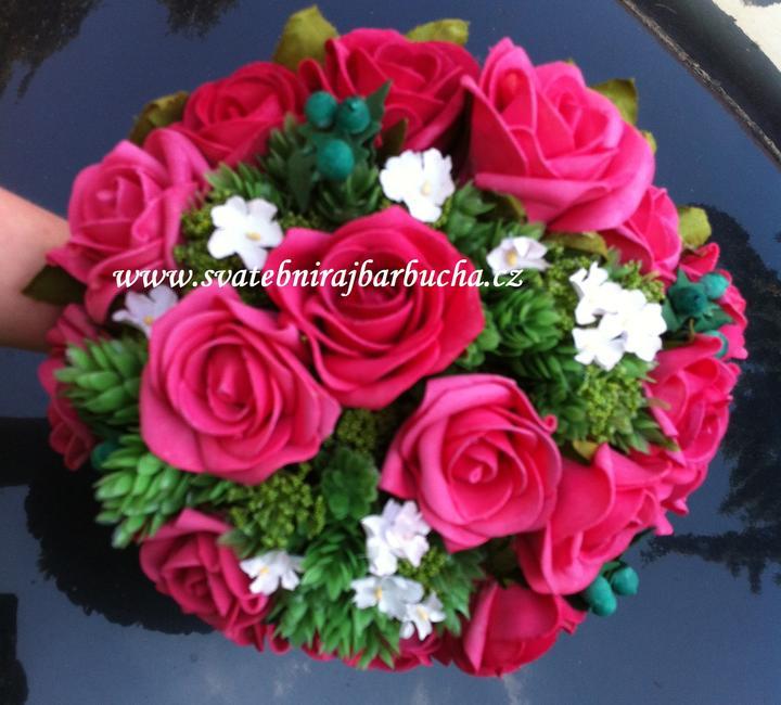 Netradiční svatební kytice - pěnové růžičky + polštářky pod prstýnky, košíčky - Obrázek č. 46
