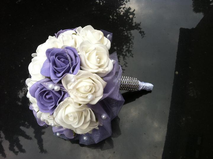 Netradiční svatební kytice - pěnové růžičky + polštářky pod prstýnky, košíčky - Obrázek č. 51