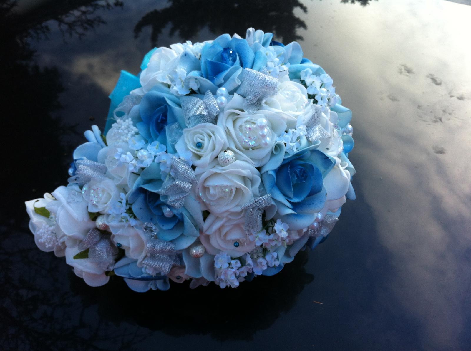 Netradiční svatební kytice - pěnové růžičky + polštářky pod prstýnky, košíčky - Obrázek č. 53