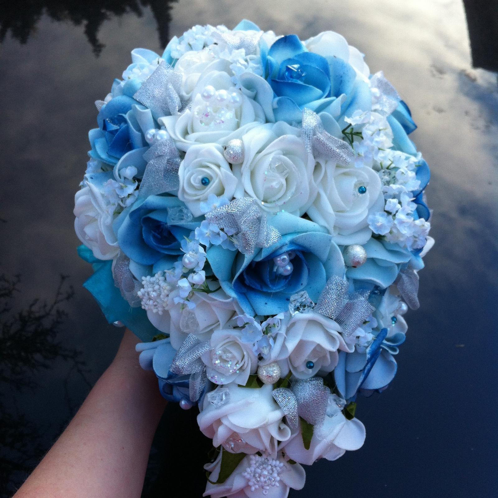 Netradiční svatební kytice - pěnové růžičky + polštářky pod prstýnky, košíčky - Obrázek č. 54