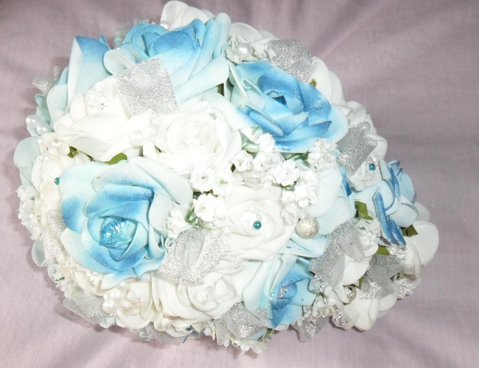 Netradiční svatební kytice - pěnové růžičky + polštářky pod prstýnky, košíčky - Obrázek č. 55
