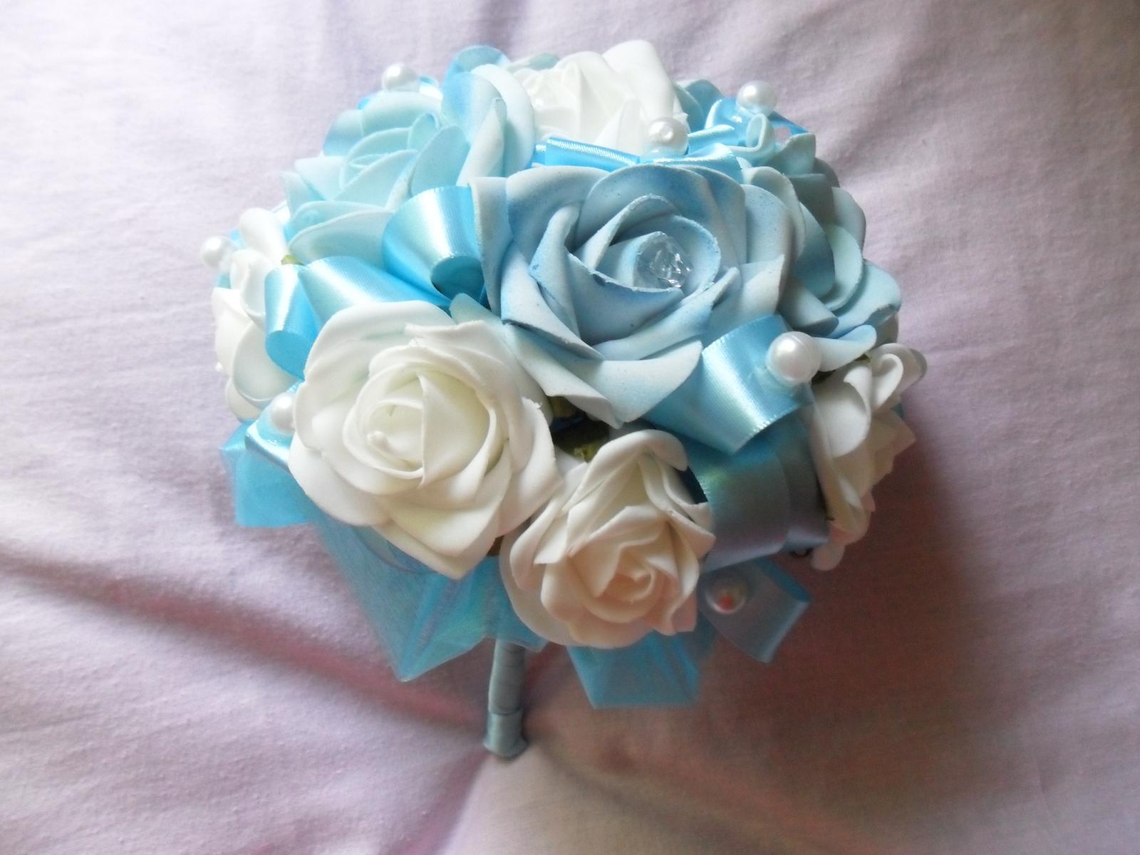 Netradiční svatební kytice - pěnové růžičky + polštářky pod prstýnky, košíčky - Obrázek č. 56