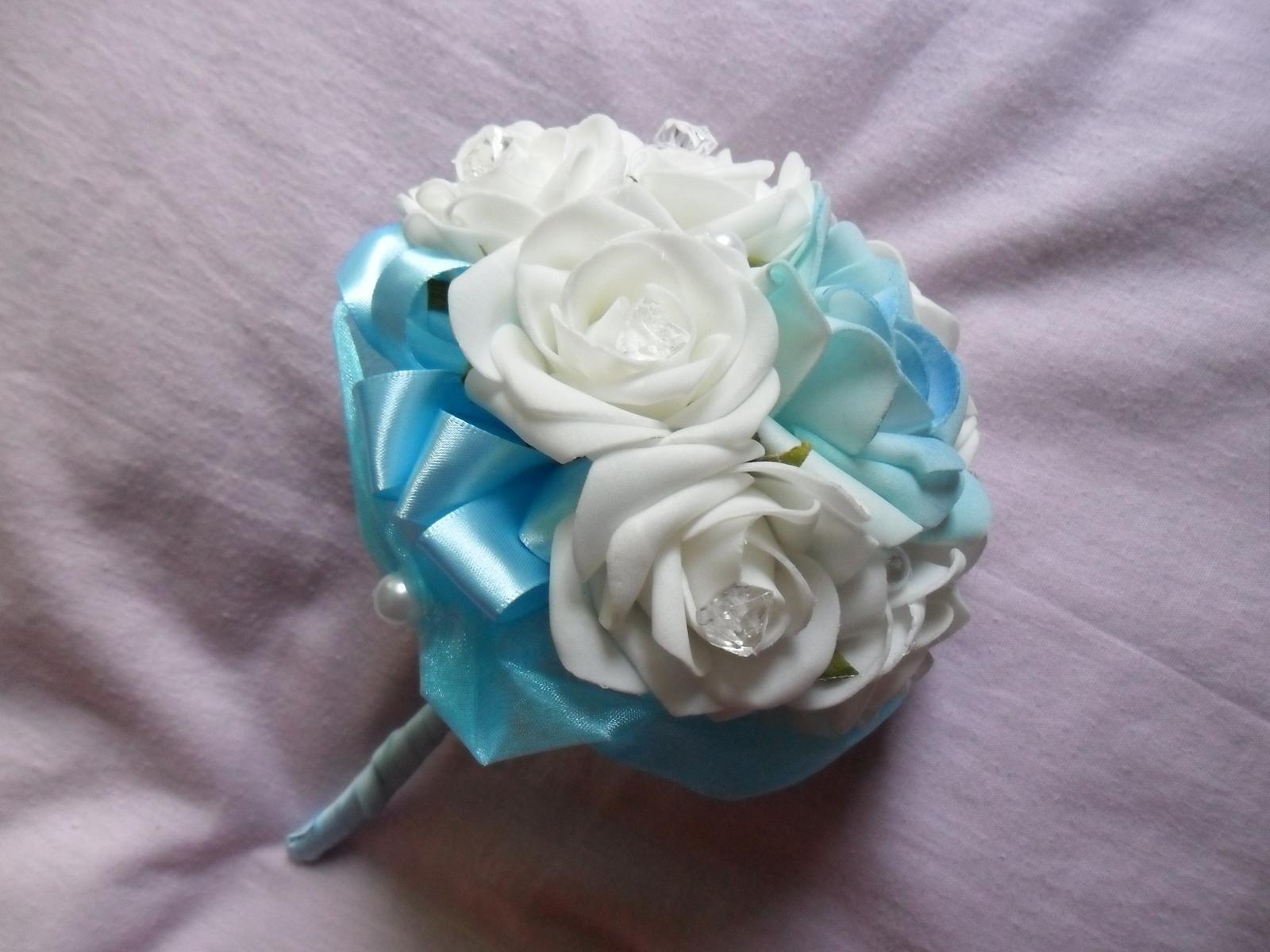Netradiční svatební kytice - pěnové růžičky + polštářky pod prstýnky, košíčky - Obrázek č. 57
