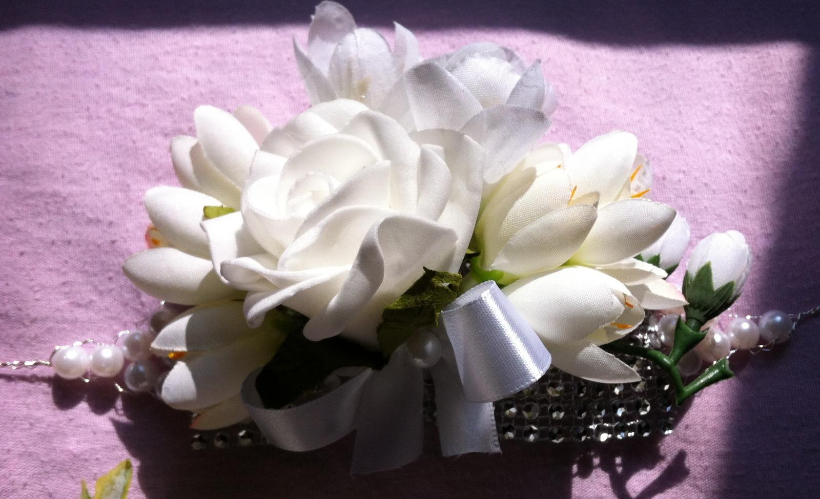 Netradiční svatební kytice - pěnové růžičky + polštářky pod prstýnky, košíčky - Obrázek č. 65