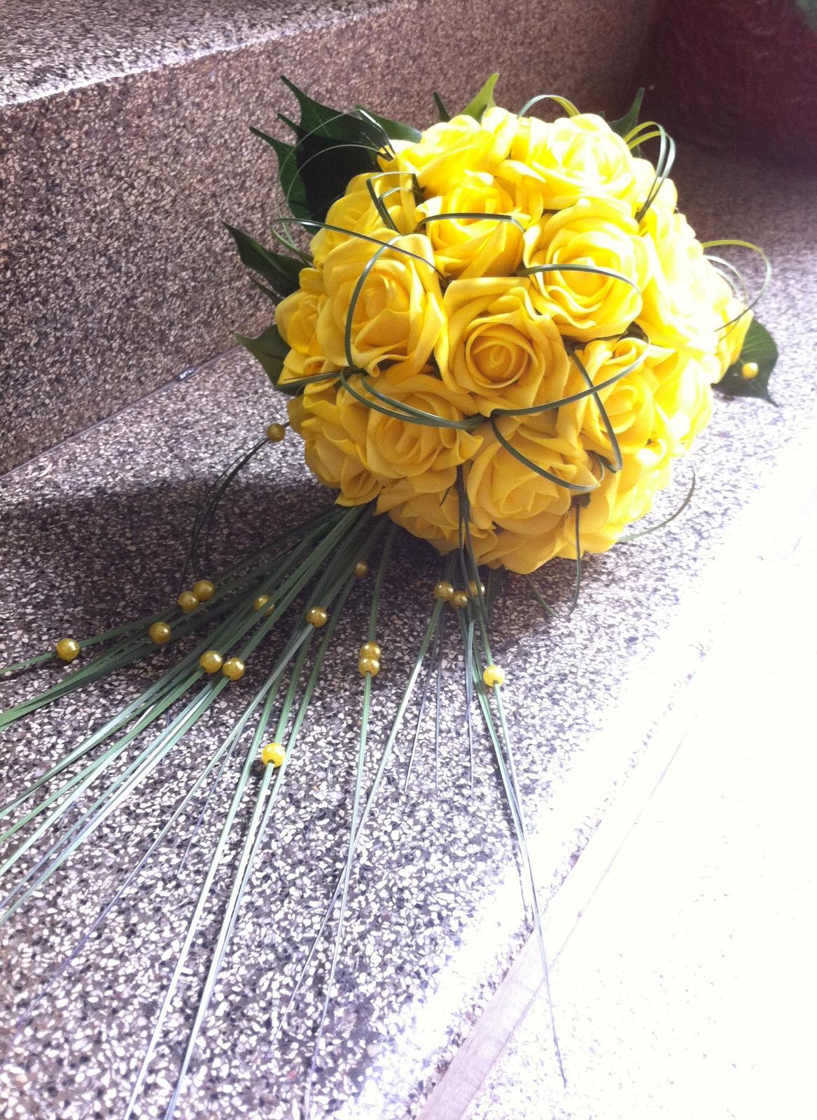 Netradiční svatební kytice - pěnové růžičky + polštářky pod prstýnky, košíčky - Obrázek č. 71