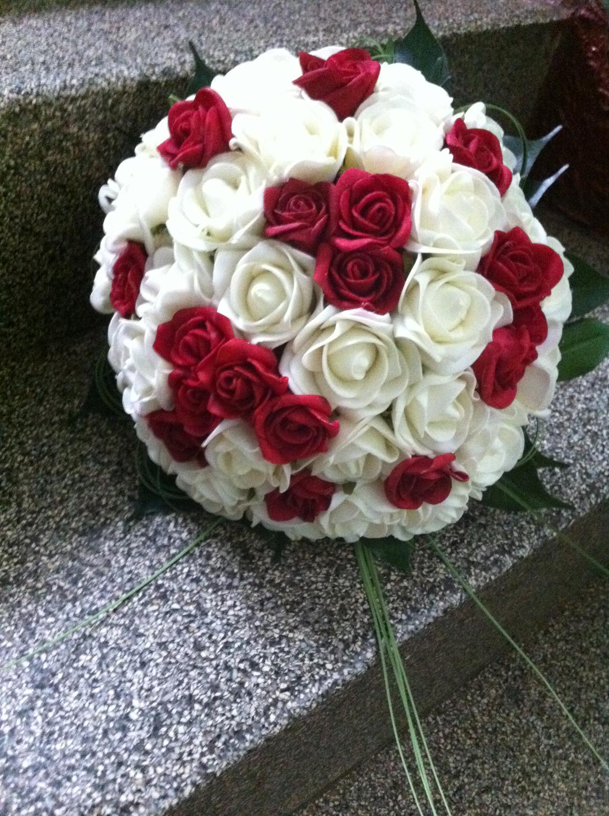 Netradiční svatební kytice - pěnové růžičky + polštářky pod prstýnky, košíčky - Obrázek č. 75