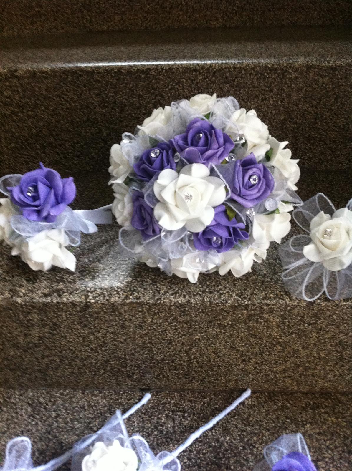 Netradiční svatební kytice - pěnové růžičky + polštářky pod prstýnky, košíčky - Obrázek č. 81