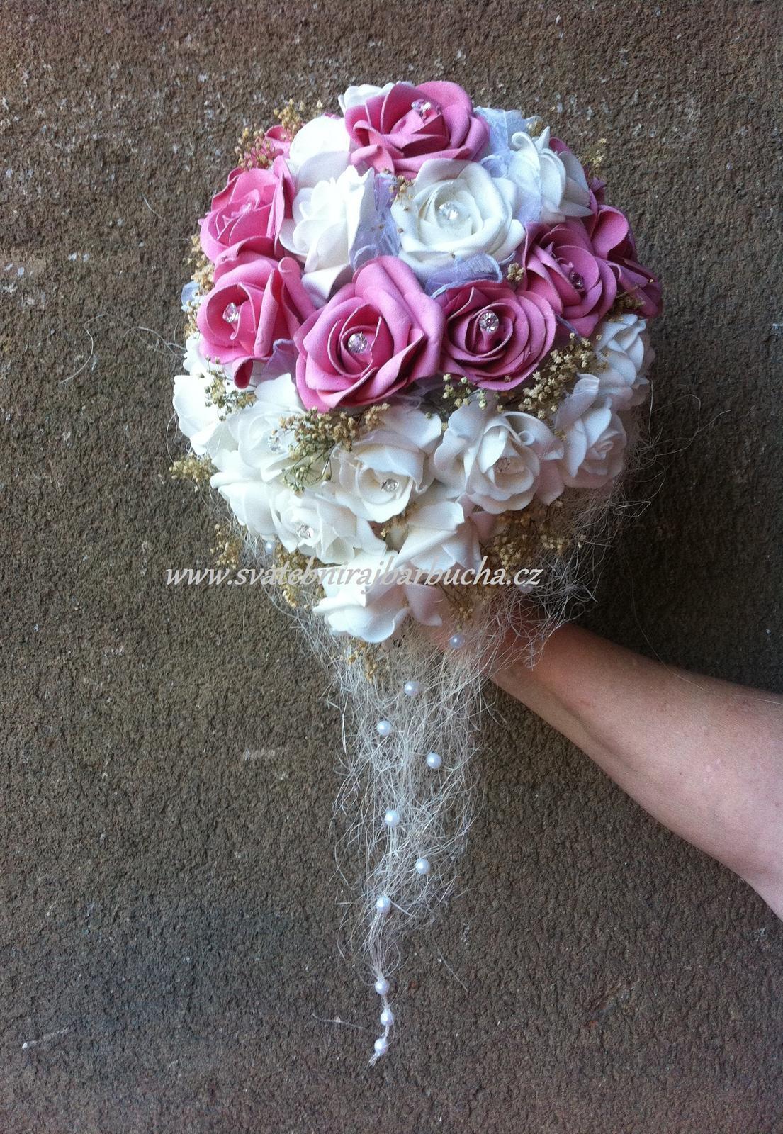Netradiční svatební kytice - pěnové růžičky + polštářky pod prstýnky, košíčky - Obrázek č. 86
