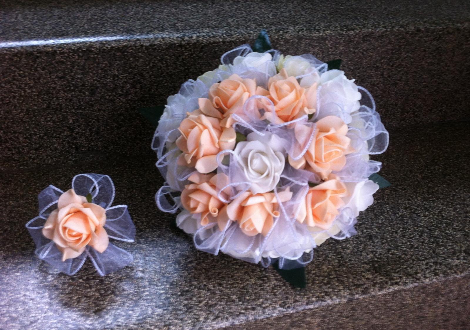 Netradiční svatební kytice - pěnové růžičky + polštářky pod prstýnky, košíčky - Obrázek č. 87