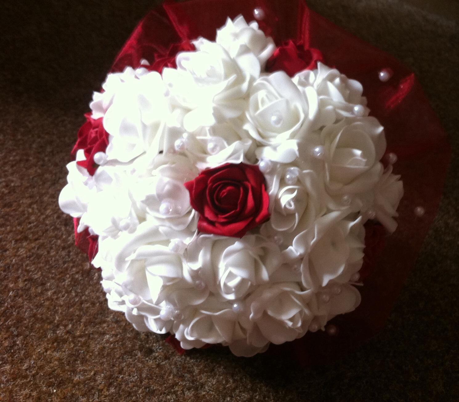 Netradiční svatební kytice - pěnové růžičky + polštářky pod prstýnky, košíčky - Obrázek č. 92