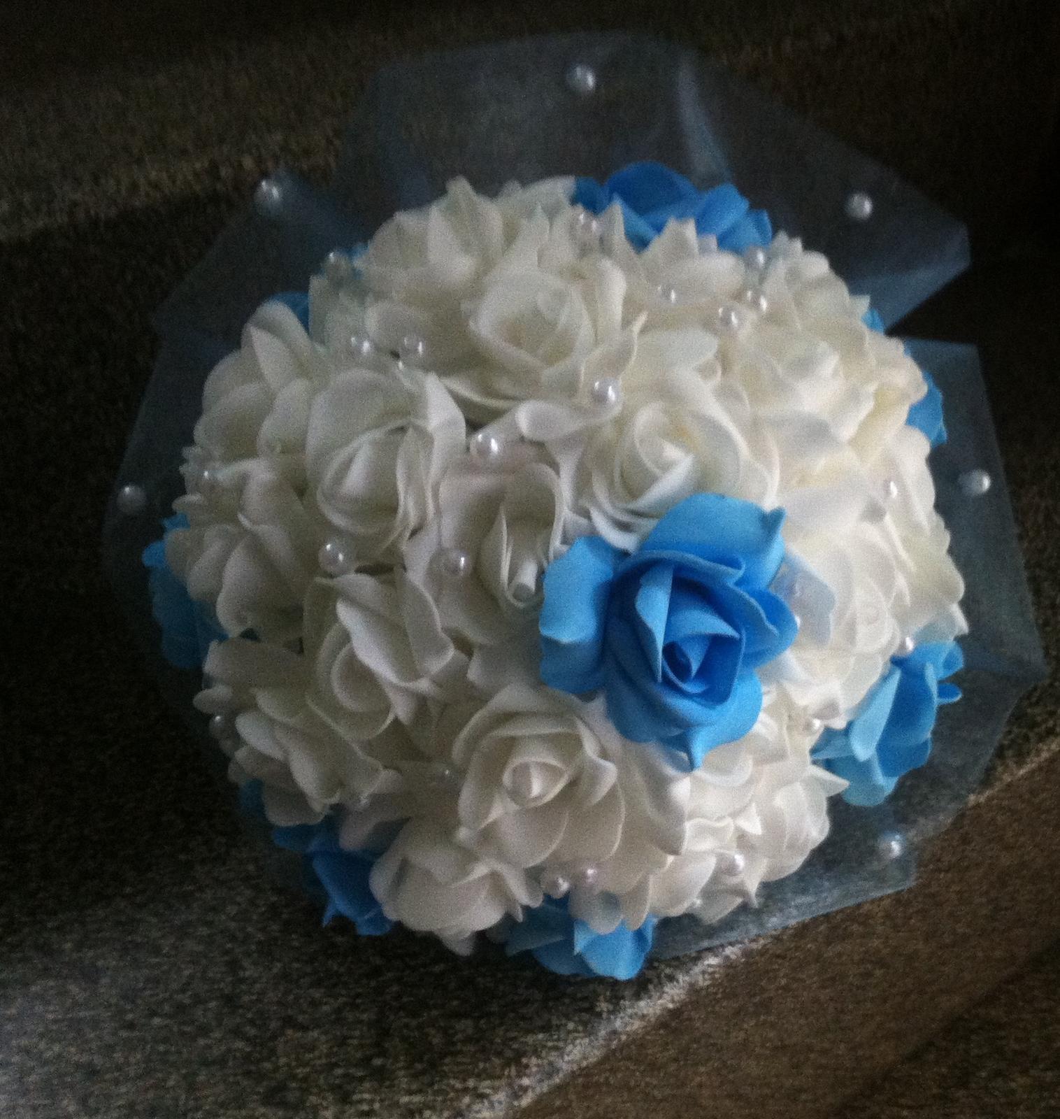 Netradiční svatební kytice - pěnové růžičky + polštářky pod prstýnky, košíčky - Obrázek č. 96
