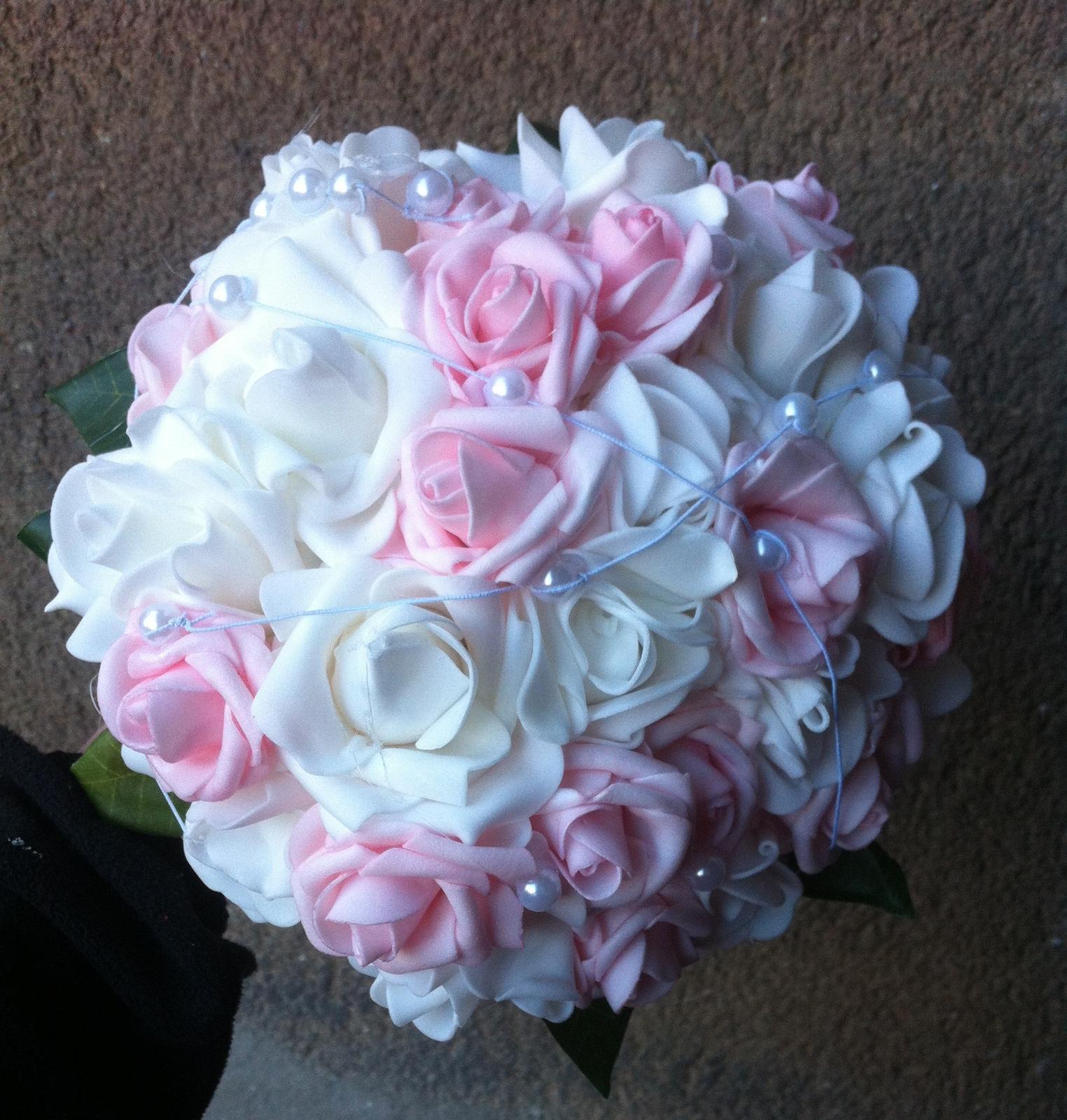 Netradiční svatební kytice - pěnové růžičky + polštářky pod prstýnky, košíčky - Obrázek č. 99