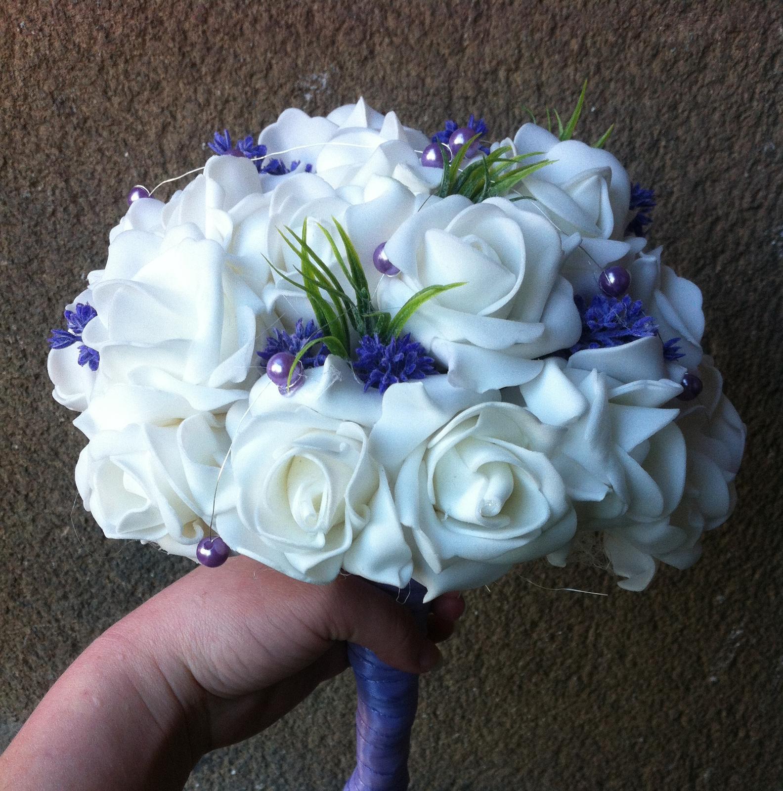 Netradiční svatební kytice - pěnové růžičky + polštářky pod prstýnky, košíčky - Obrázek č. 102