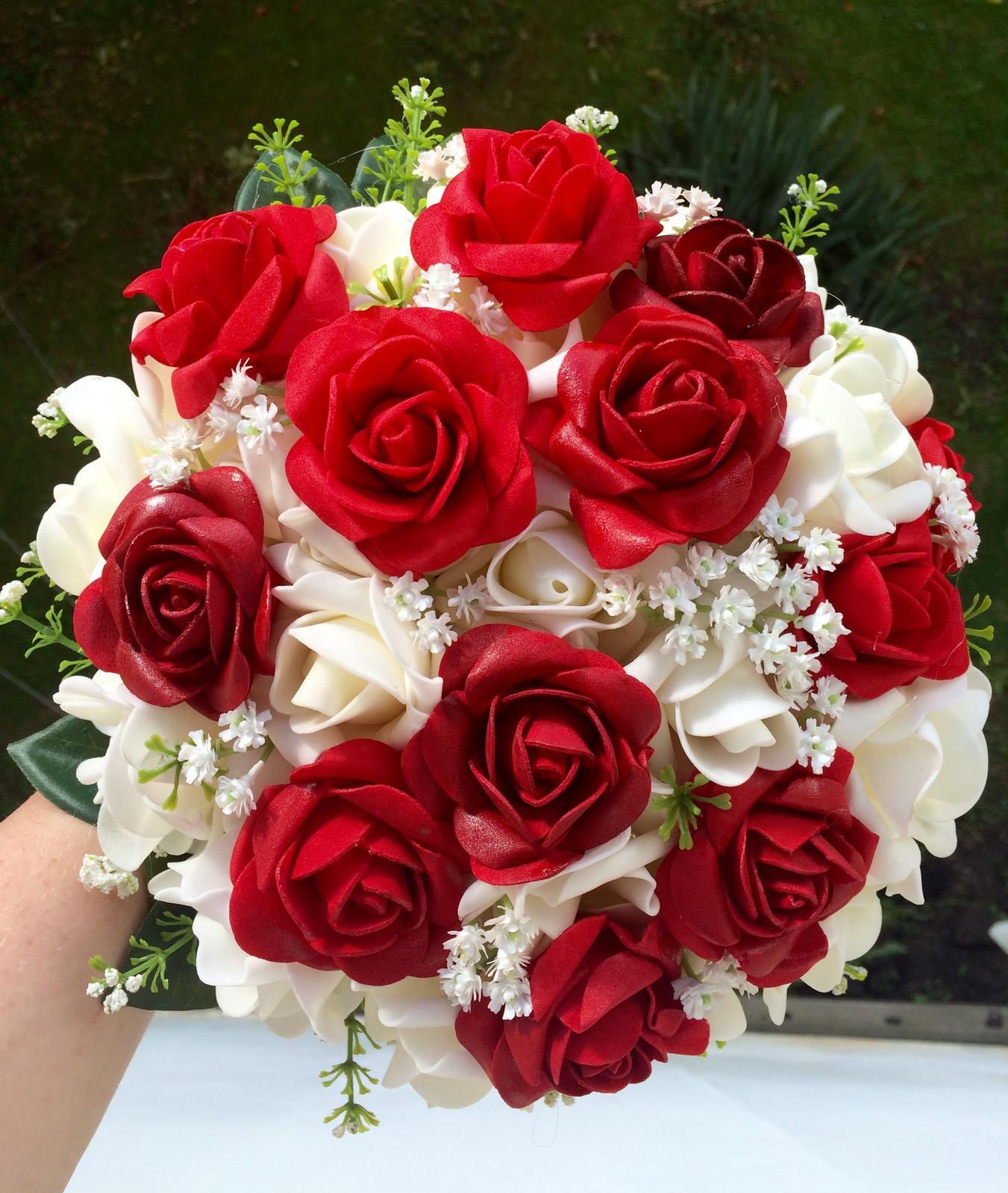 Svatební kytice z umělých květin - Obrázek č. 1