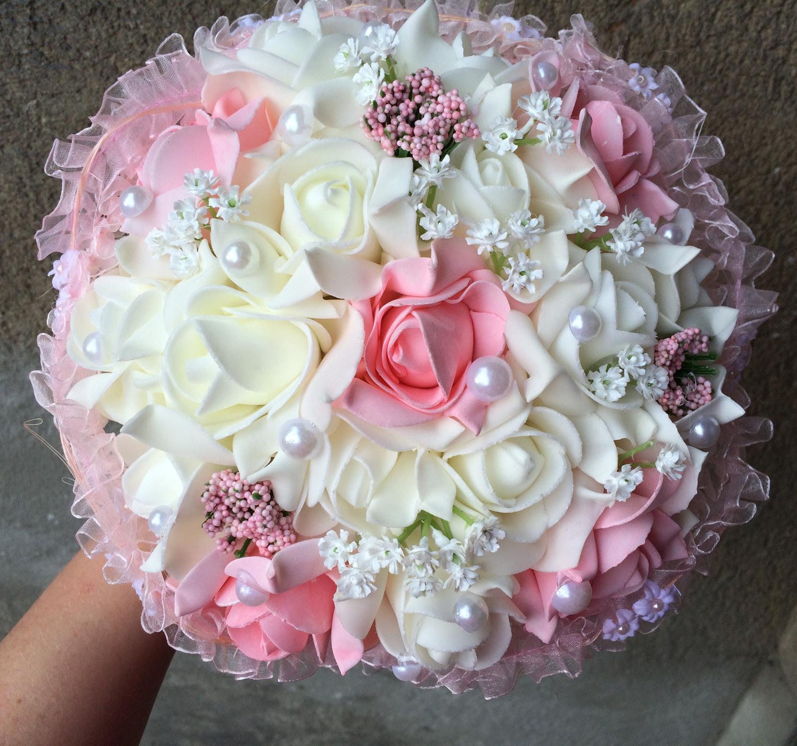 Svatební kytice z umělých květin - Obrázek č. 3