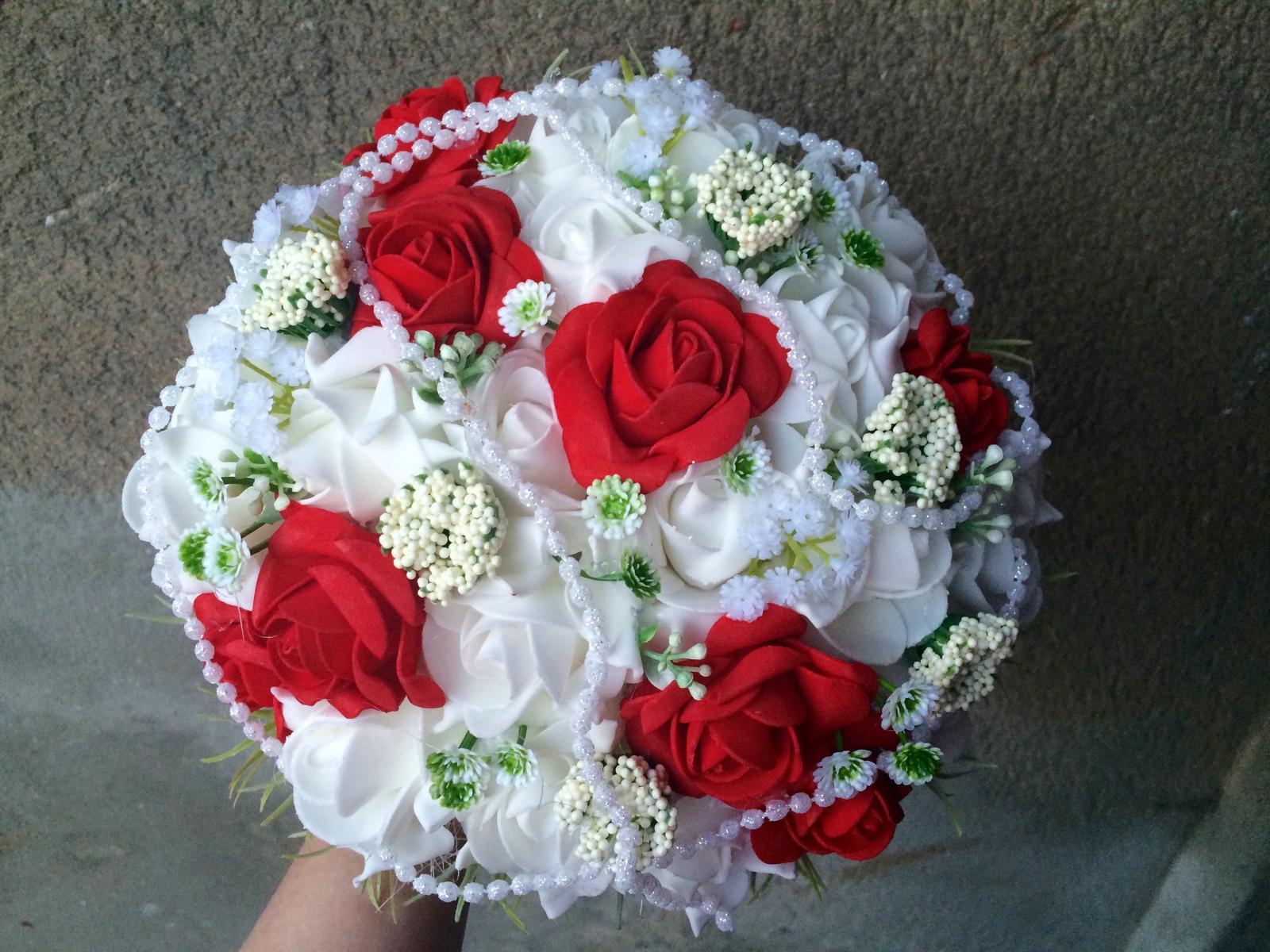 Svatební kytice z umělých květin - Obrázek č. 4