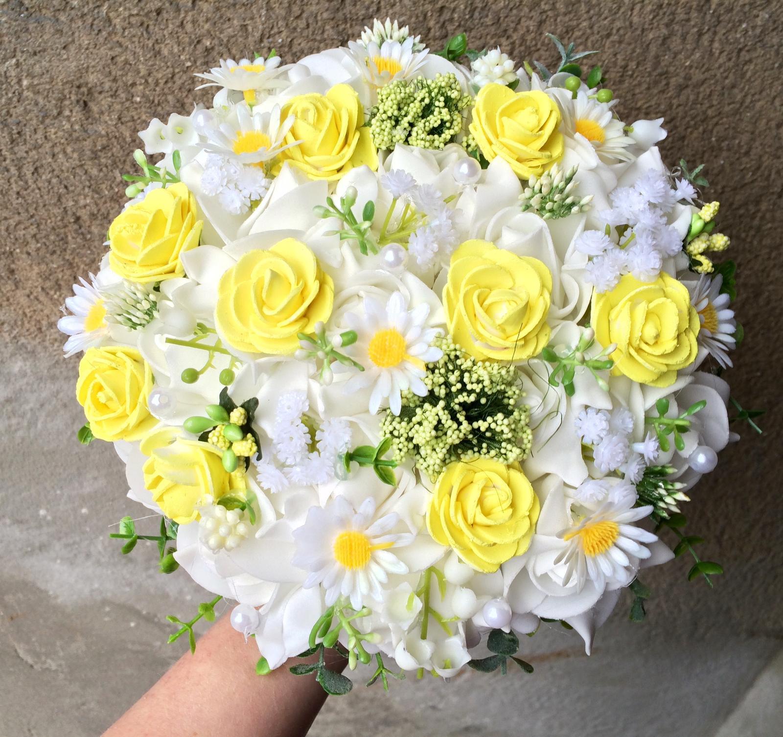 Svatební kytice z umělých květin - Obrázek č. 6
