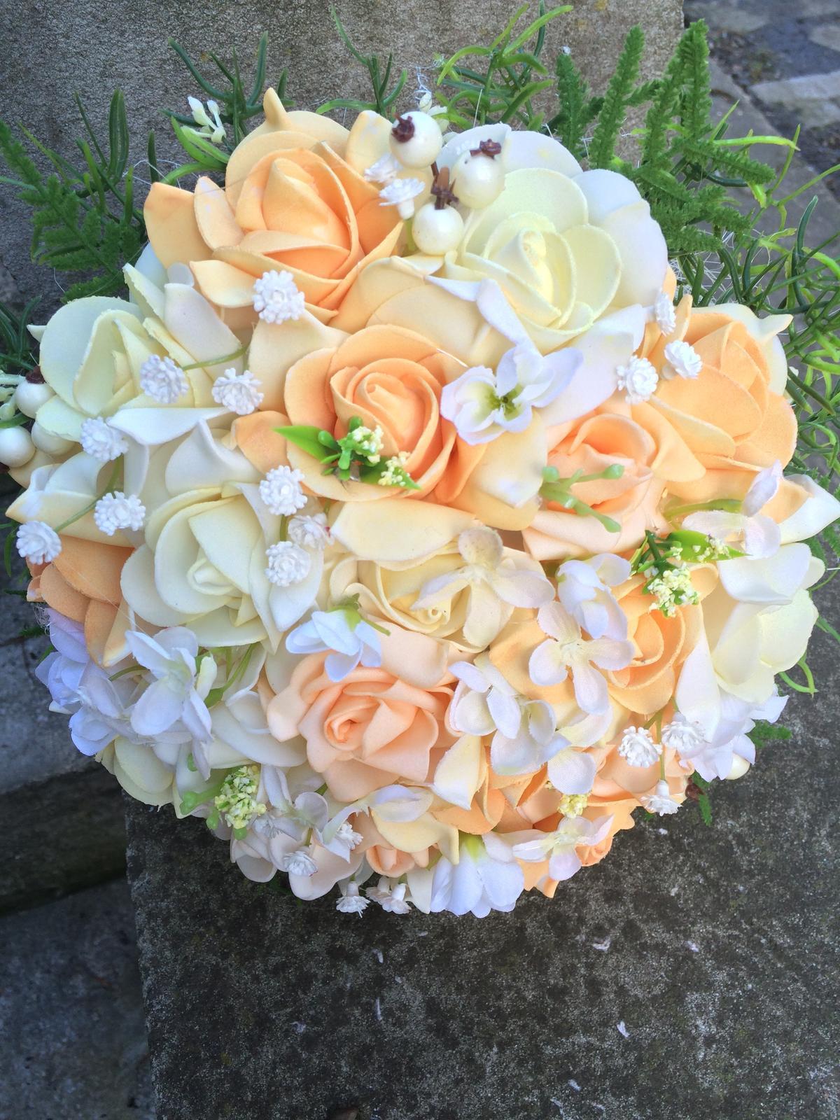 Svatební kytice z umělých květin - Obrázek č. 10