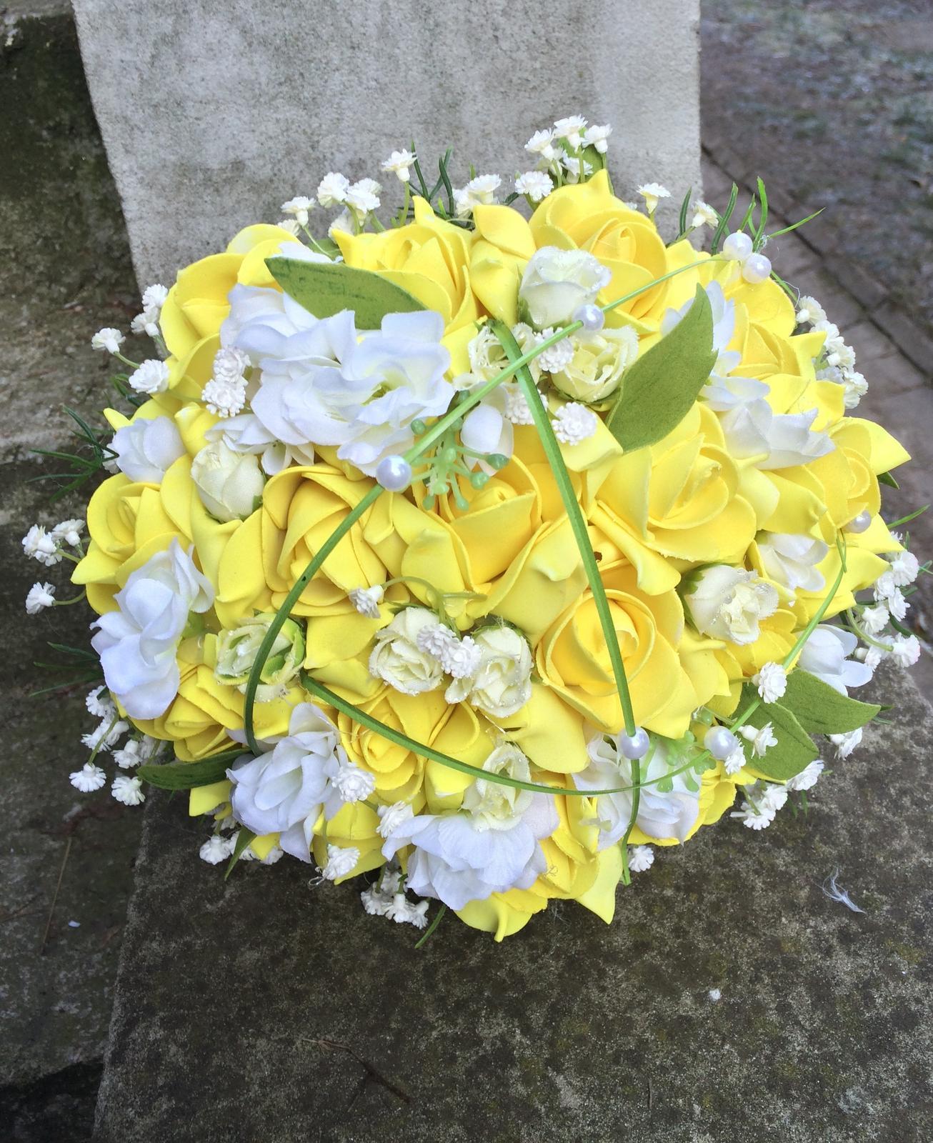 Svatební kytice z umělých květin - Obrázek č. 11