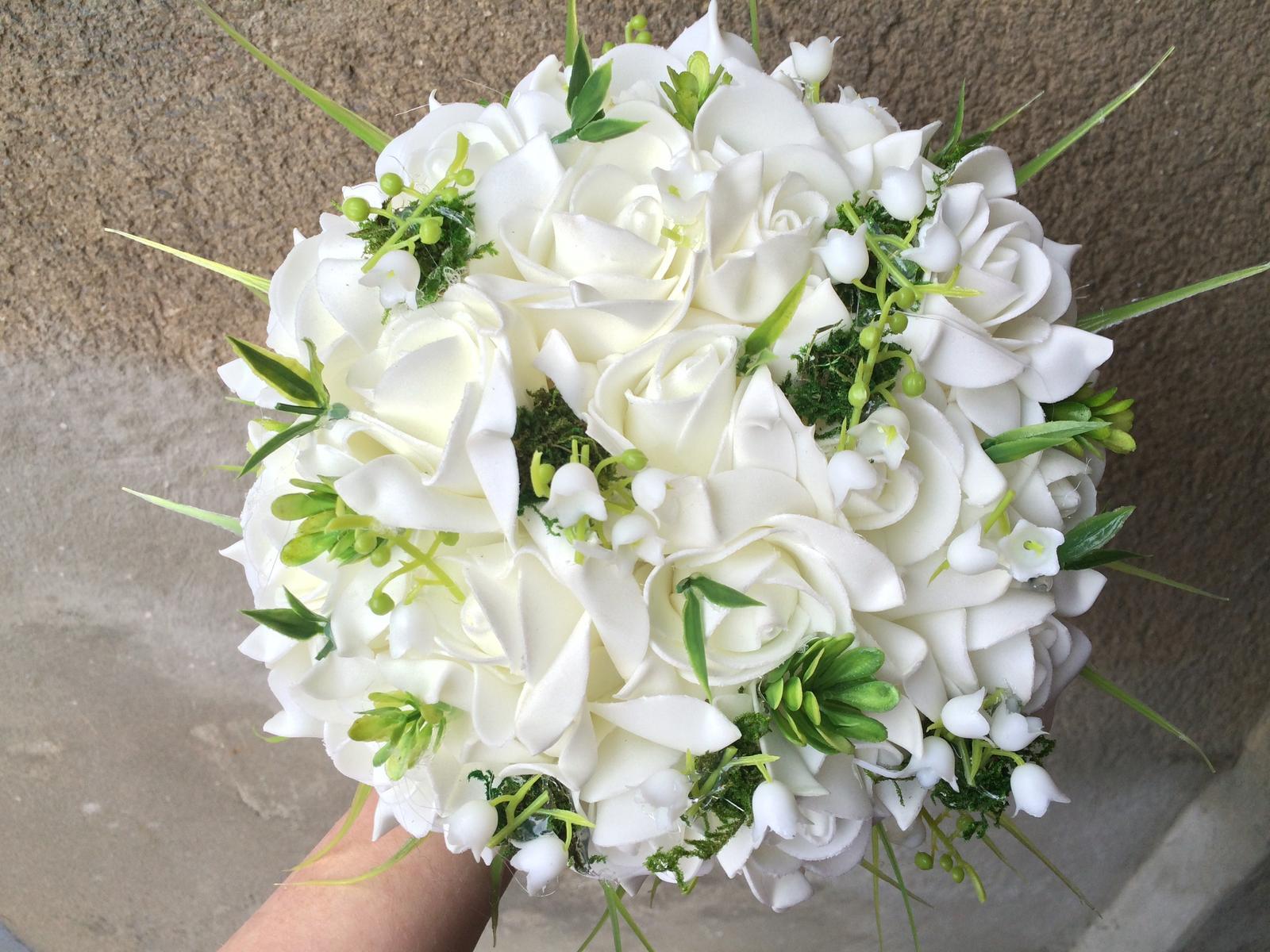 Svatební kytice z umělých květin - Obrázek č. 12