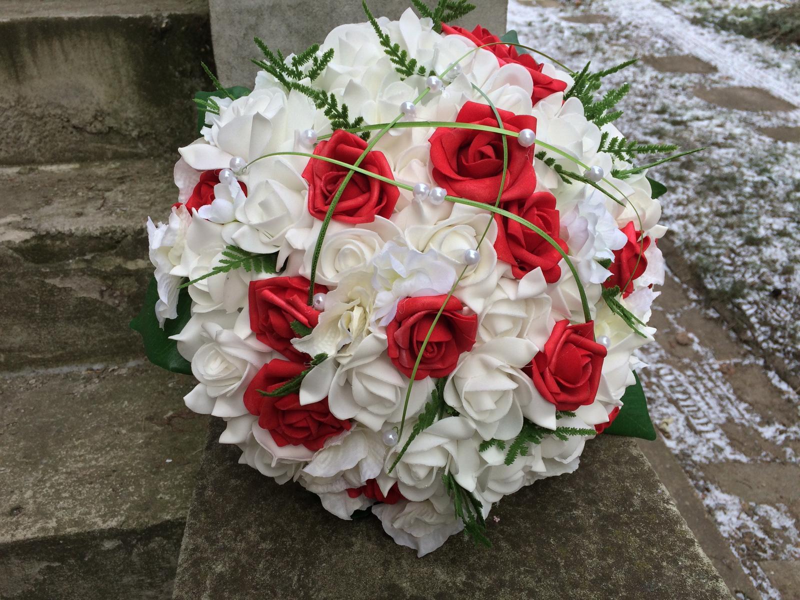 Svatební kytice z umělých květin - Obrázek č. 14