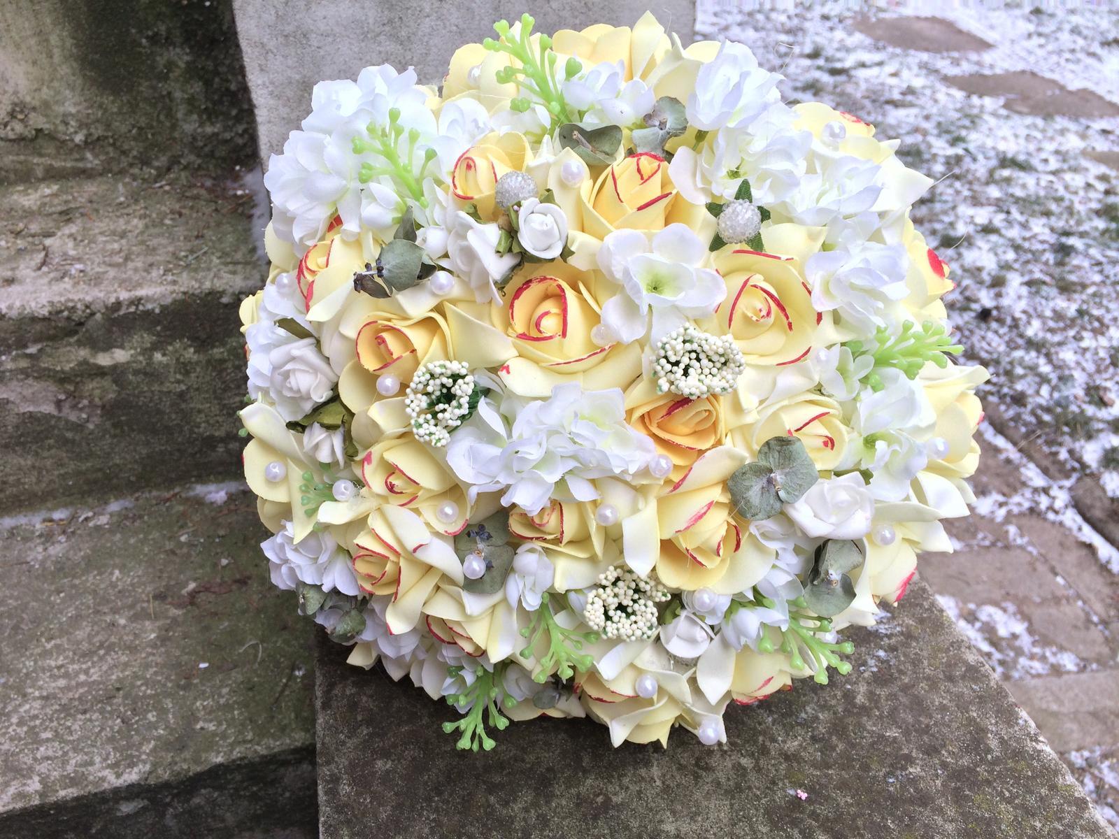 Svatební kytice z umělých květin - Obrázek č. 15