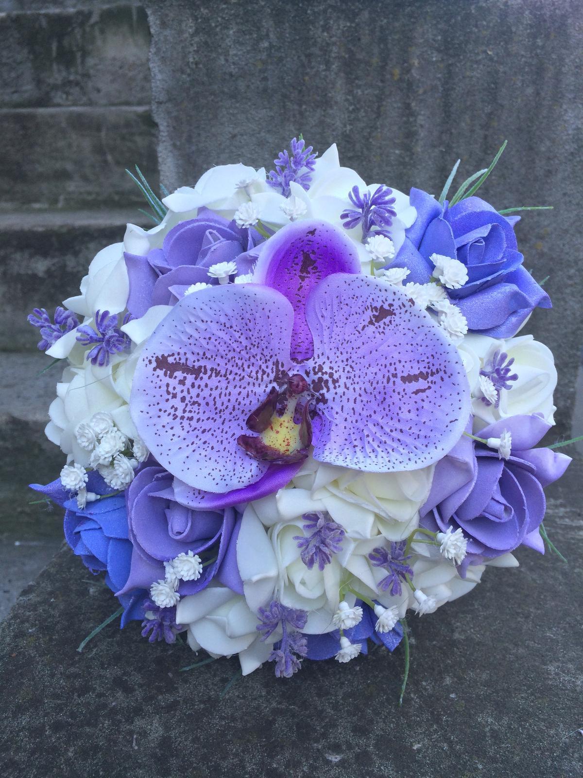 Svatební kytice z umělých květin - Obrázek č. 17
