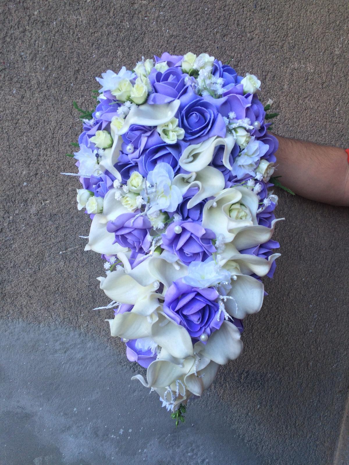 Svatební kytice z umělých květin - Obrázek č. 20