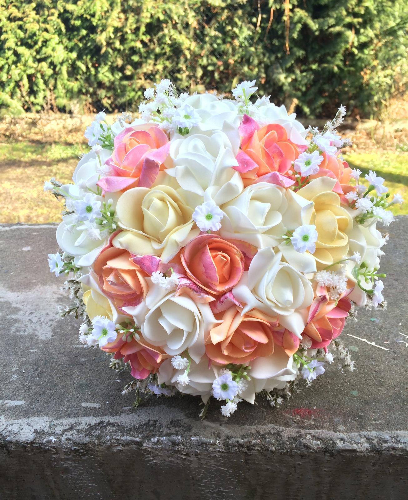 Svatební kytice z umělých květin - Obrázek č. 21